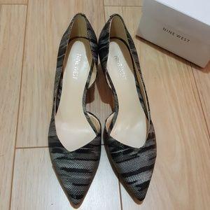 Nine West snakeskin print kitten heels size 7M